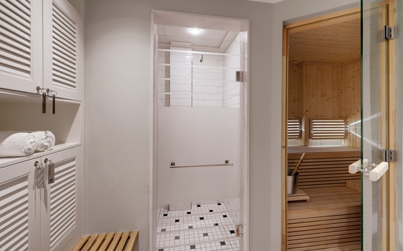 Bathroom & Sauna - Gym